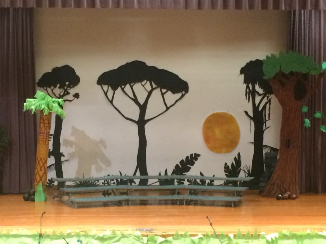 picture of the jungle book stage up close