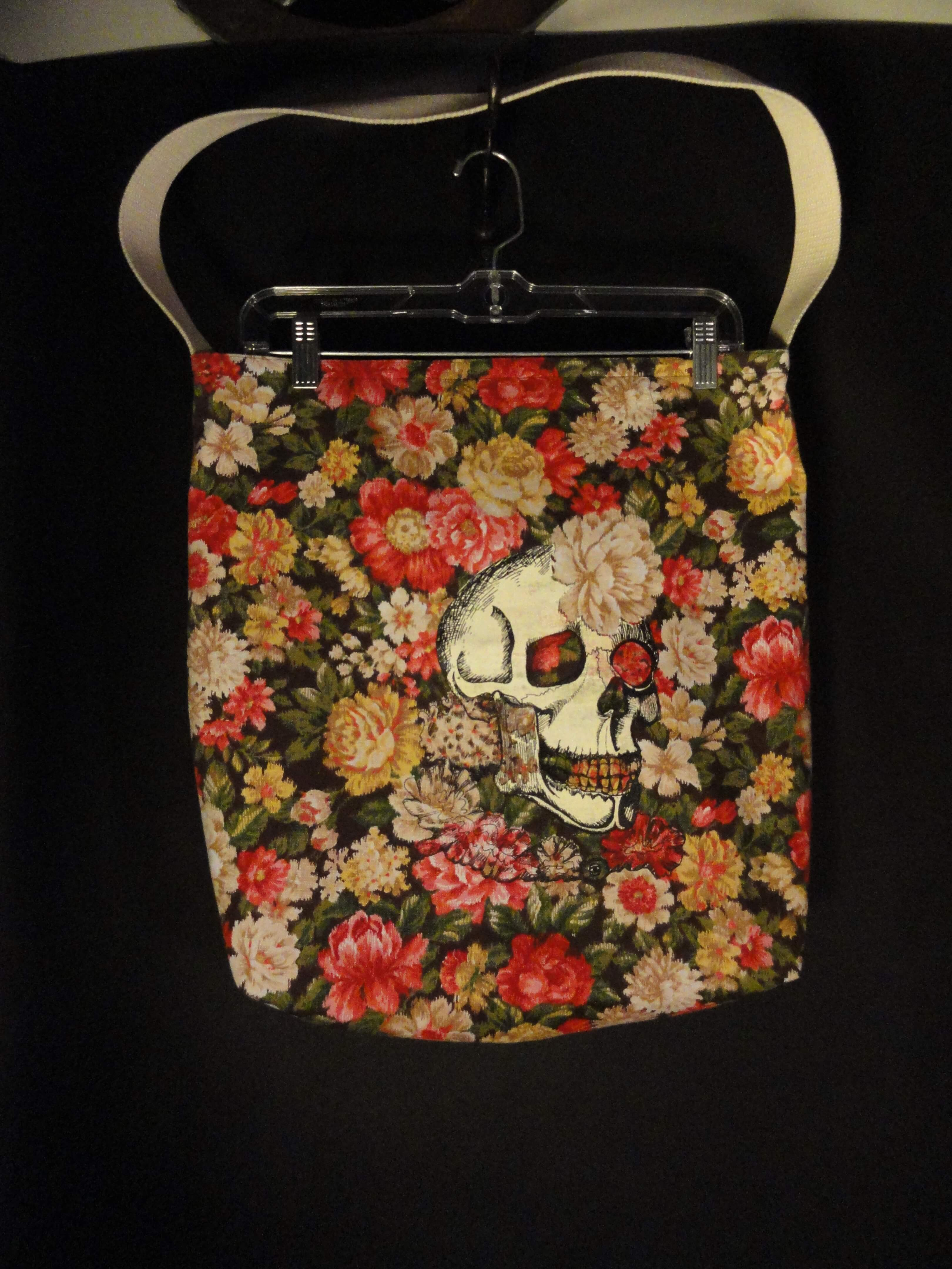 tote bag with skull on it
